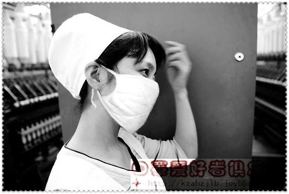 勤劳的纺织女工