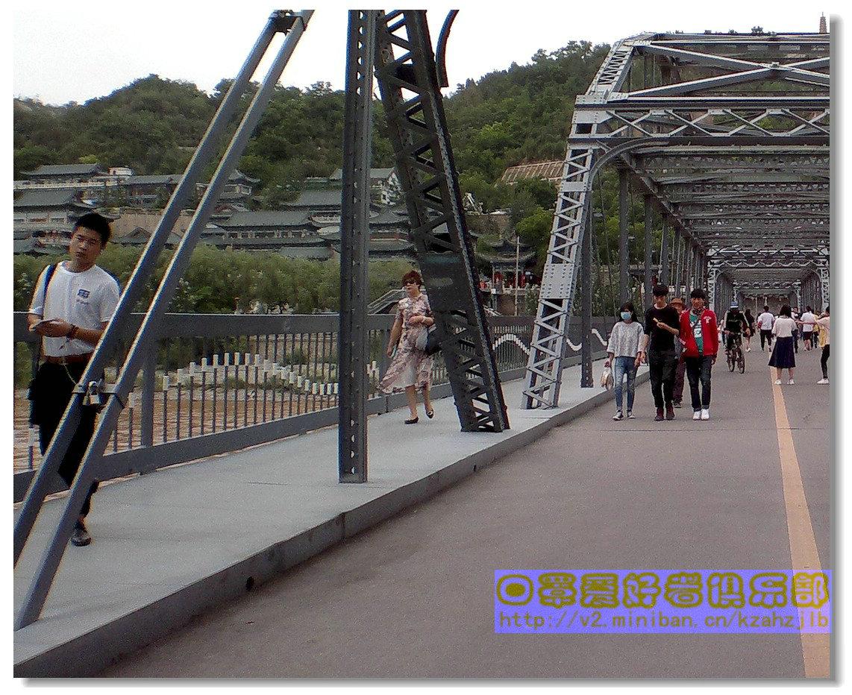 【原创】铁桥上的口罩妹-1