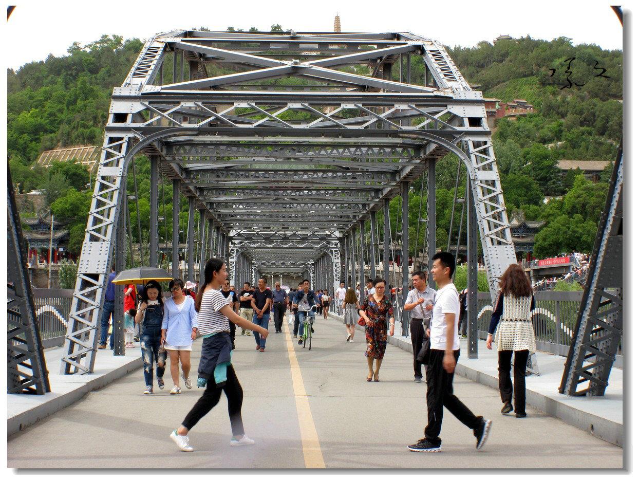 【原创】铁桥上的抓拍-2