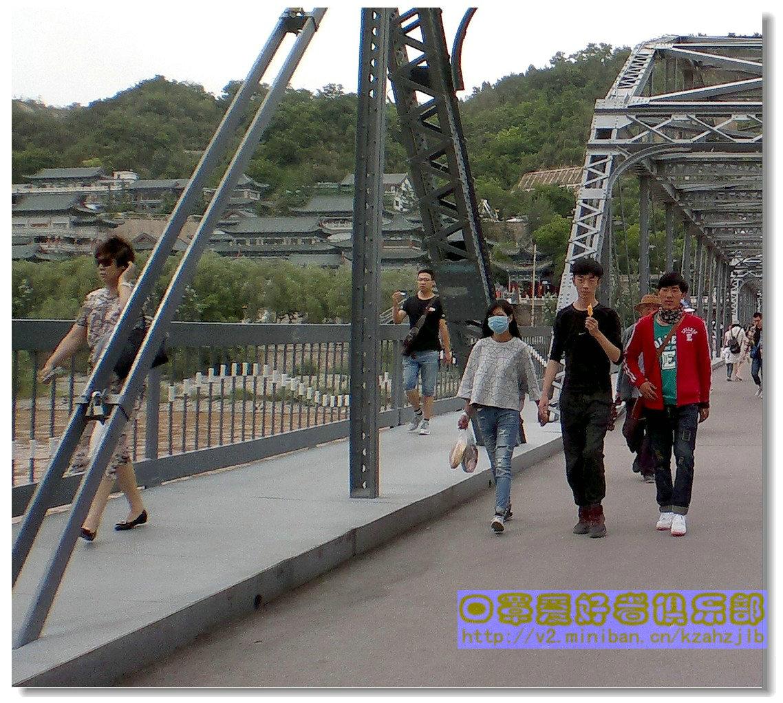 【原创】铁桥上的口罩妹-3
