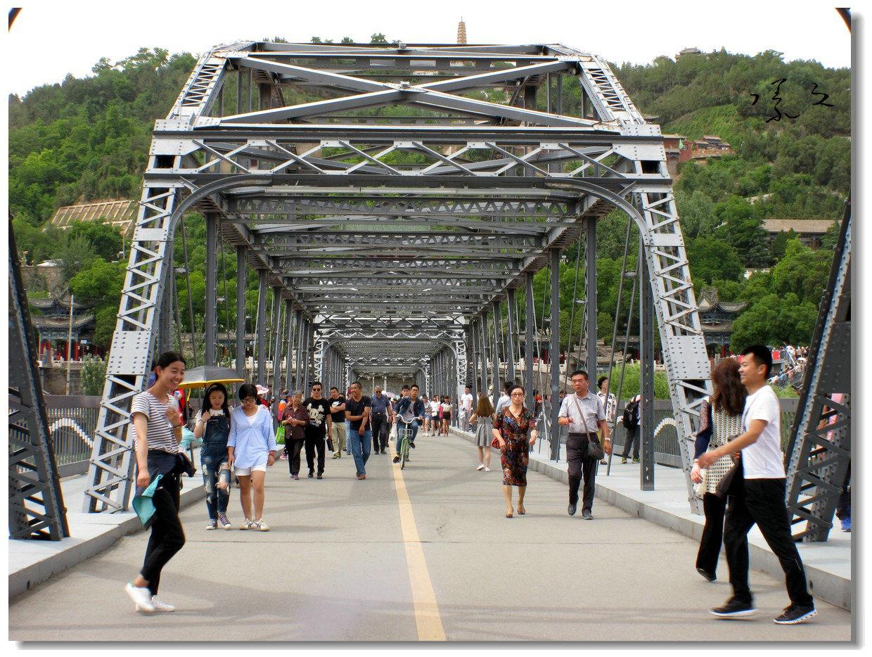 【原创】铁桥上的抓拍-1