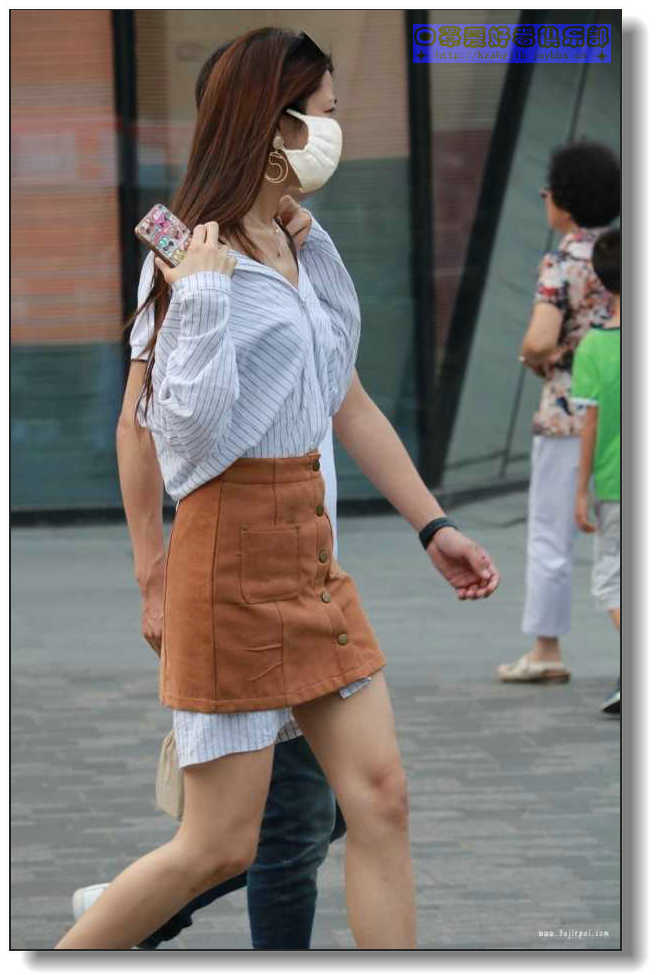 【原创】【原创】走在街头的美女
