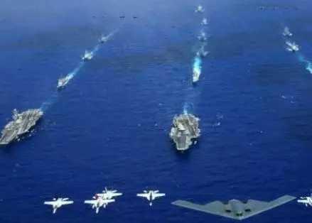 2、横行霸道的美国航母编队。