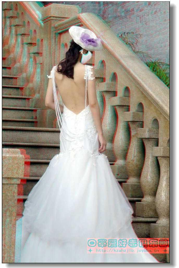 【原创】台阶上的婚纱美女