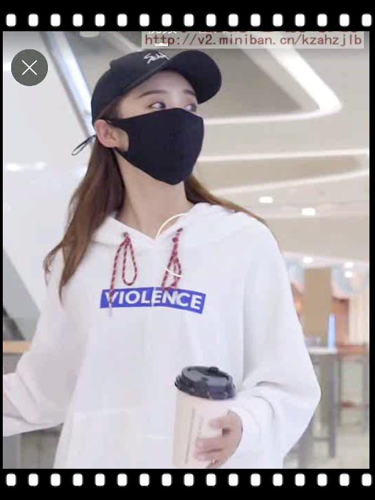 美女戴黑色防霾口罩 -1
