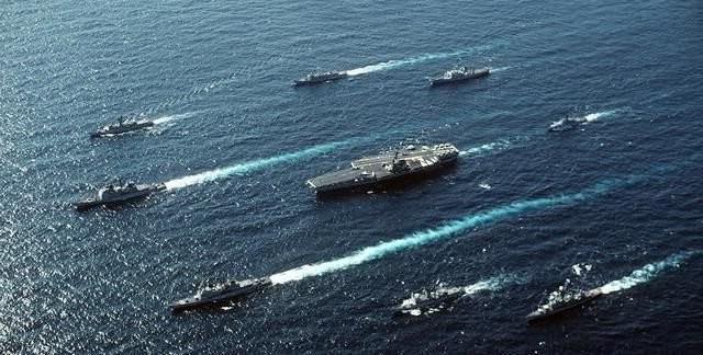 两艘美军航母已进入中东海域伊,直接威胁伊